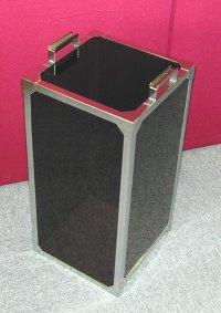 レーザー光実験ケース